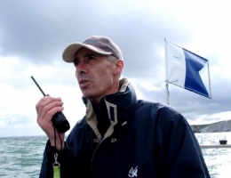 VHF, 2, appel de détresse